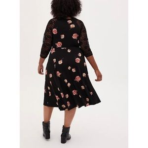 🆕Torrid Soft Black Floral Skater Midi Dress 2X 18
